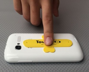 Uniwersalna-podstawka-pod-telefon